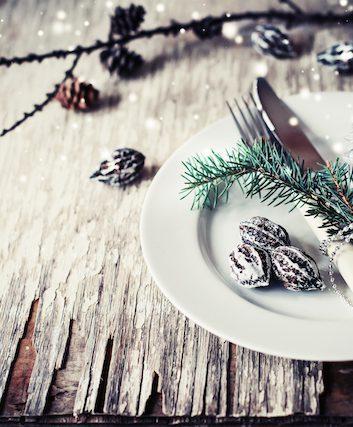 Table de fêtes ©iravgustin shutterstock