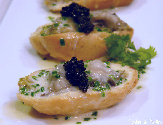 Profiteroles d huitres au caviar d Aquitaine