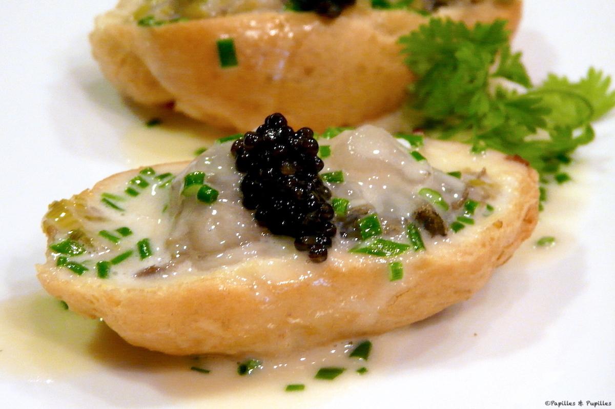 Profiteroles d'huîtres au caviar d'Aquitaine