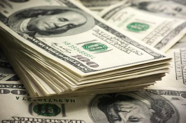 Dollars ©Svetlana Lukienko shutterstock