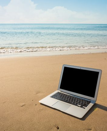 Blog on the Beach ©jannoon028 shutterstock