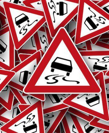 Route dangereuse (c)Geralt pixabay public domain CCO