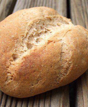 Petit pain complet aux céréales