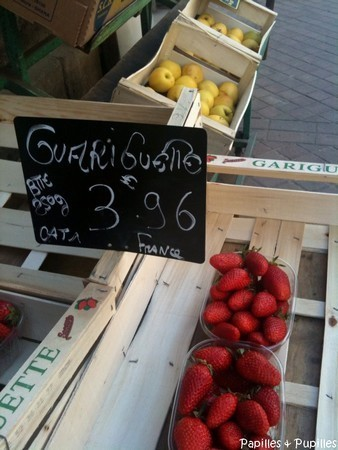 Panneau prix des fraises