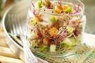 Salade sucrée salée croustifondante aux pommes et graines germées
