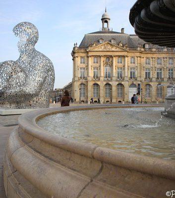 Statue de Jaume Plensa - Place de la Bourse - Bordeaux