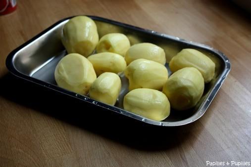 Plaque à débarasser avec pommes de terre