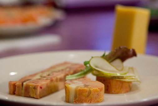 Foie gras de canard au Comté et noix grillées