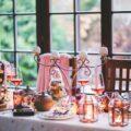 Tables de fêtes ©kaboompics CC0 Pixabay