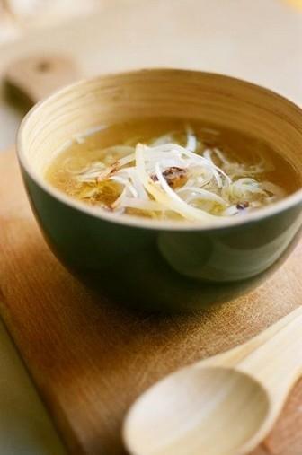 soupe à l'oignon au miso d'orge