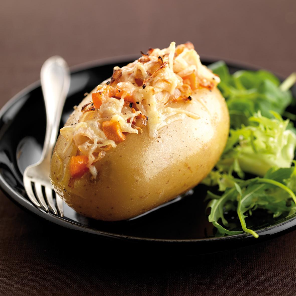 Pommes de terre au four et échalotes confites