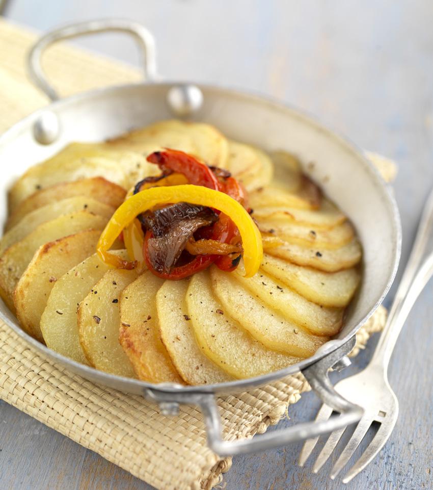 Tian de pommes de terre primeur à l'oignon rouge et aux poivrons grillés