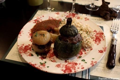 Légumes farcis, sauce tomate et boulghour