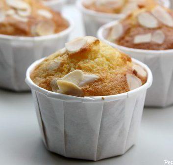 Muffins aux amandes et aux abricots secs