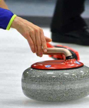 Curling ©Peter Miller CC BY-NC-ND 2.0