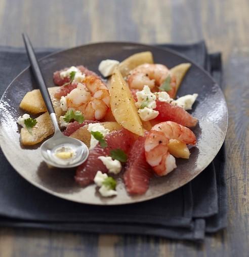 Salade d'été au Carré Frais, crevettes et agrumes