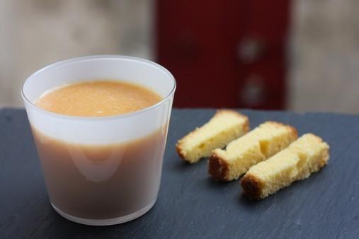 Soupe melon aux fruits de la passion et ses mouillettes