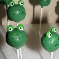 Cake pops grenouille