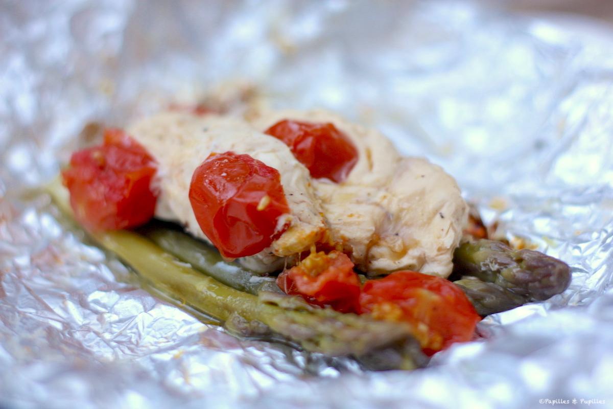 Papillotes de poulet aux tomates cerises et aux asperges de Jamie Oliver