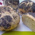 Petits pains au pavot et aux zestes de citron