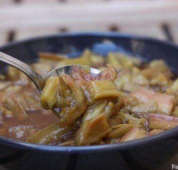Rhubarbe confite au four, en tronçons