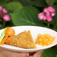 Crêpes façon Suzette au Cointreau brunoise de melon au citron vert ©Anne Lataillade