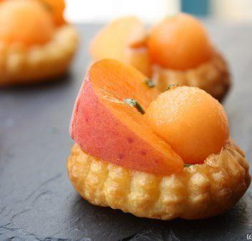 Tartelettes abricot melon, au miel et au romarin
