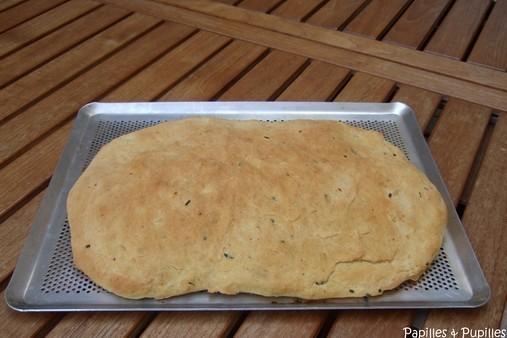 pain au maïs piment de cayenne et ciboulette - après cuisson
