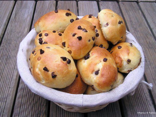 Petits pains au lait de noisettes et pépites de chocolat