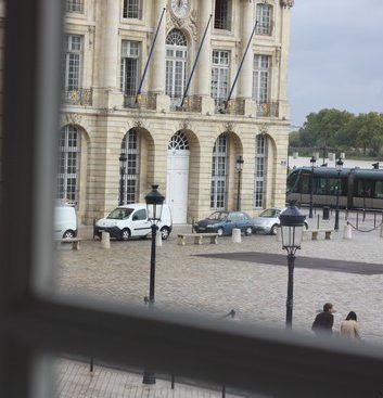 Place de la Bourse, vue du Gabriel