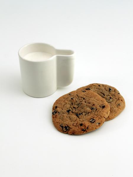 Cookies et mug de lait