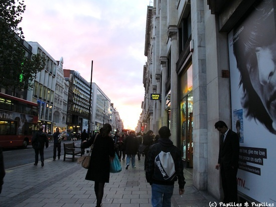 Soleil couchant sur Oxford Street