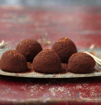 Truffes Choco Fraises au piment d'Espelette © PL Viel / V. Drouet / L. Denisot pour l'AAPrA