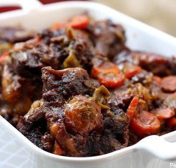 Queue de boeuf aux carottes et au vin rouge