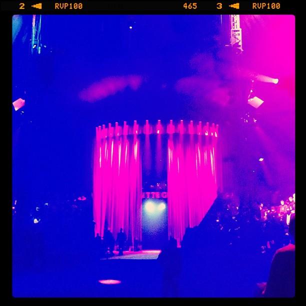 Entracte - cirque Arlette Gruss - nouveau spectacle 2012 - l'autre monde