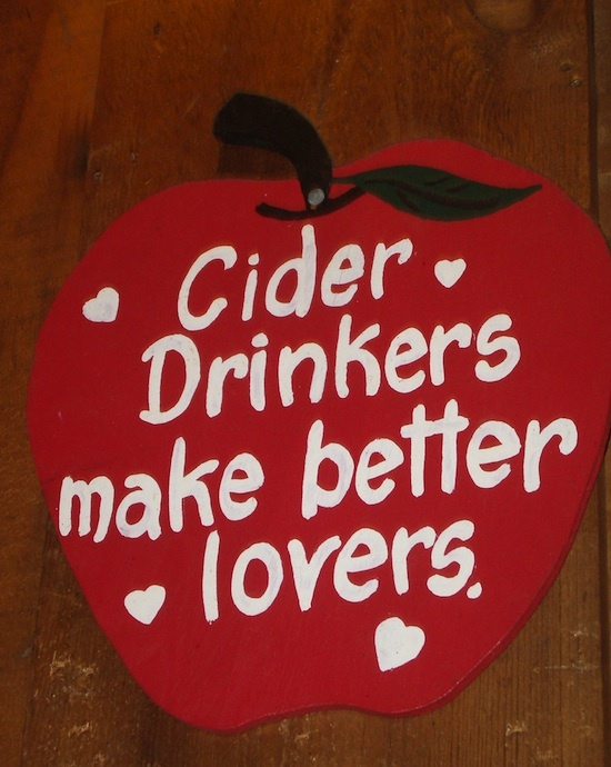 Cider drinkers ©Digital Sextant - CC BY-SA 2.0