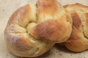 Petits pains au lait, au thé et aux zestes de citron confit