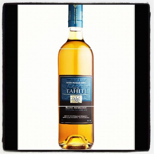 Vin de Tahiti moelleux - oui, ça existe ; j'aimerais bien goûter !