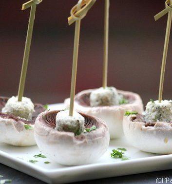 Brochettes de champignons de Paris au fromage frais