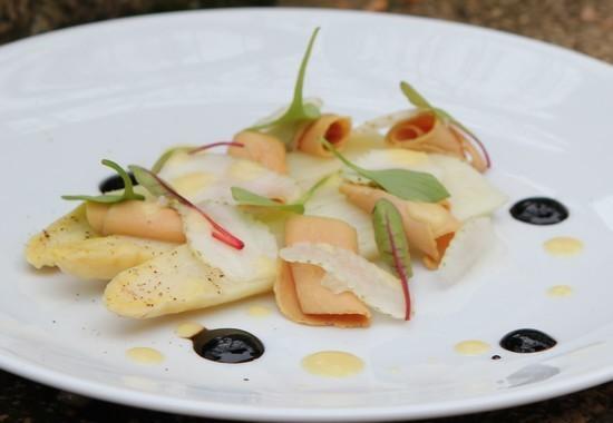 Recette asperges blanches copeaux de foie gras et fraises vertes - Dosage sel et poivre pour foie gras ...