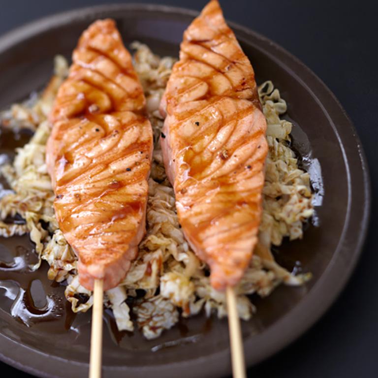 Plancha de saumon caramélisé, croquant de chou chinois
