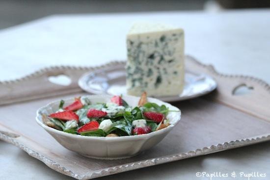 Salade fraises et Roquefort, épinards et Poulet grillé