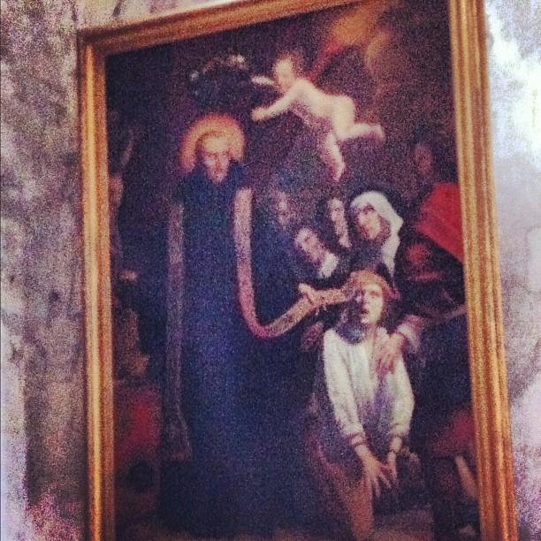 Je te présente Saint Momolin qui guérit les aliénés - ça peut toujours servir :)