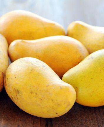 Mangues ataulfo ©Sony Ho shutterstock