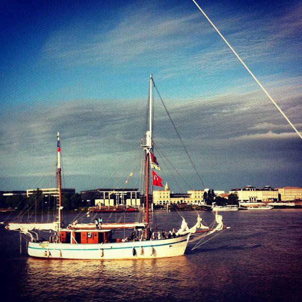 Voilier sur la Garonne #bordeauxfetelevin #bfv2012 #bordeaux