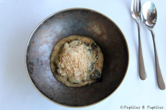 Morilles à la crème avec poudre de foie gras