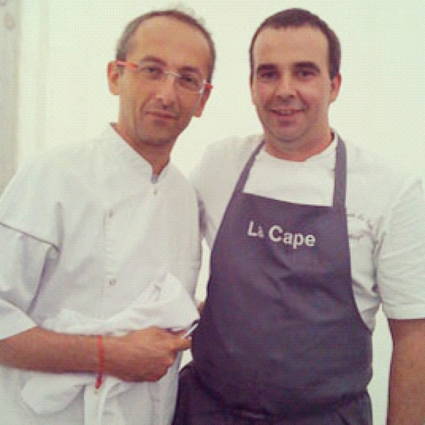 Michel Portos quitte le Saint James pour ouvrir une brasserie à Marseille et c est Nicolas Magie qui le remplacé (lui même remplacé par son second) #chaisesMusicales