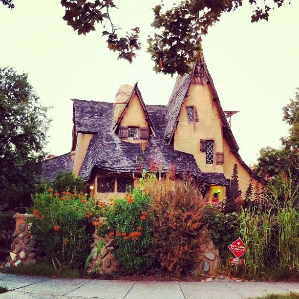 À trouvé la maison d'Hanzel et Gretel ;)