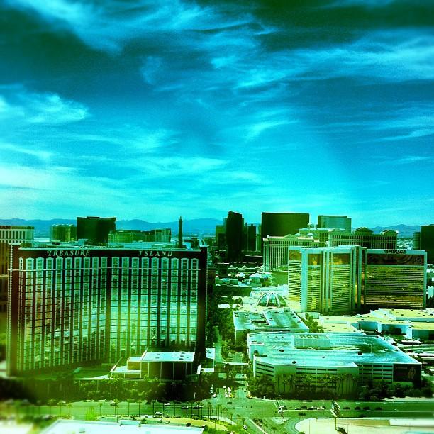 Le strip #lasvegas vue depuis ma chambre au 46e étage #ouch