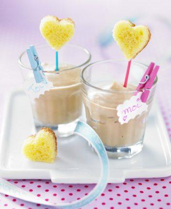 Petites crèmes au café et ses coeurs de quatre quarts